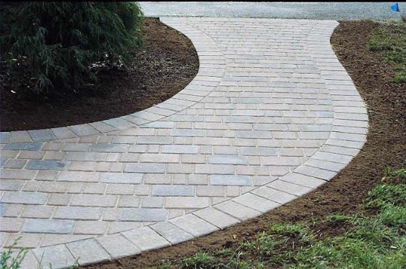 Concrete Paver Walkway 2013 (23).jpg