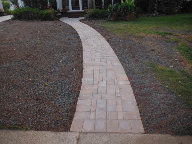 Concrete Paver Walkway 2013 (4).jpg