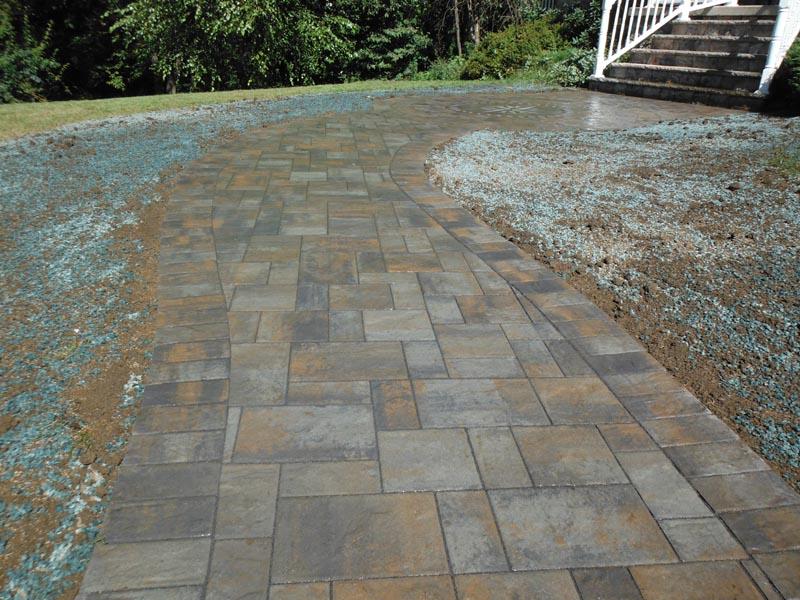Concrete Paver Walkway 2013 (3).jpg