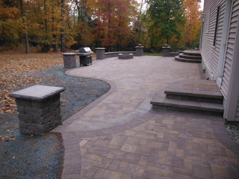 Concrete Paver Patio 2016 (31).jpg