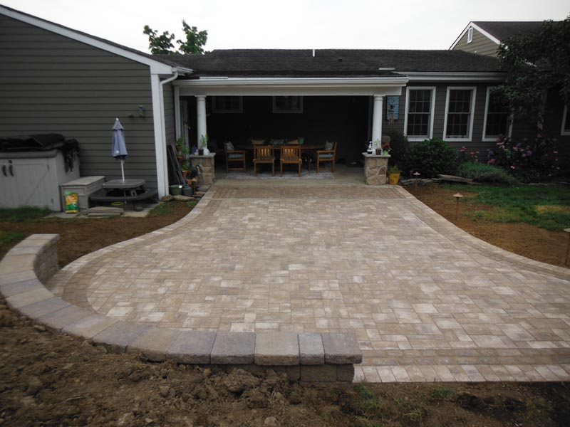 Concrete Paver Patio 2016 (16).jpg