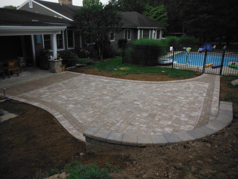 Concrete Paver Patio 2016 (14).jpg