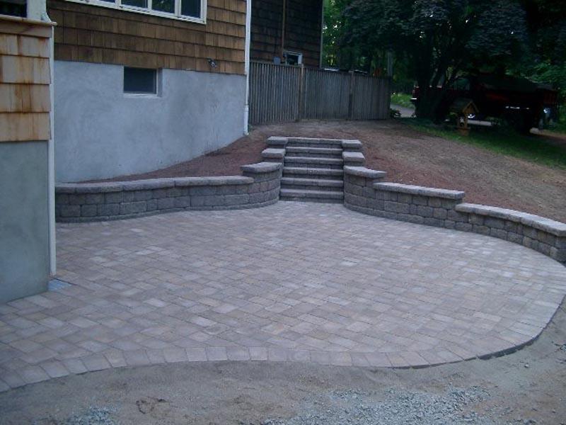 Concrete Paver Patio 2014 (16).jpg