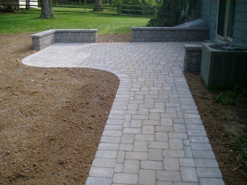 Concrete Paver Patio 2014 (12).jpg
