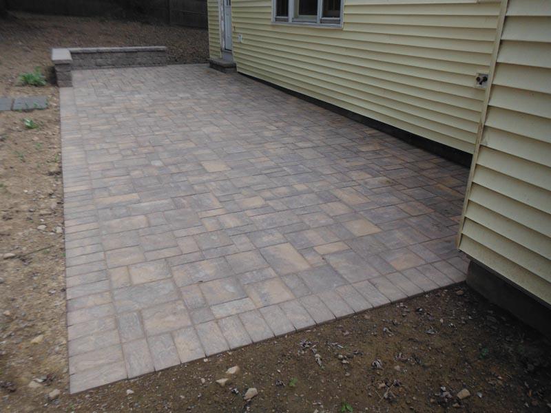Concrete Paver Patio 2014 (8).jpg