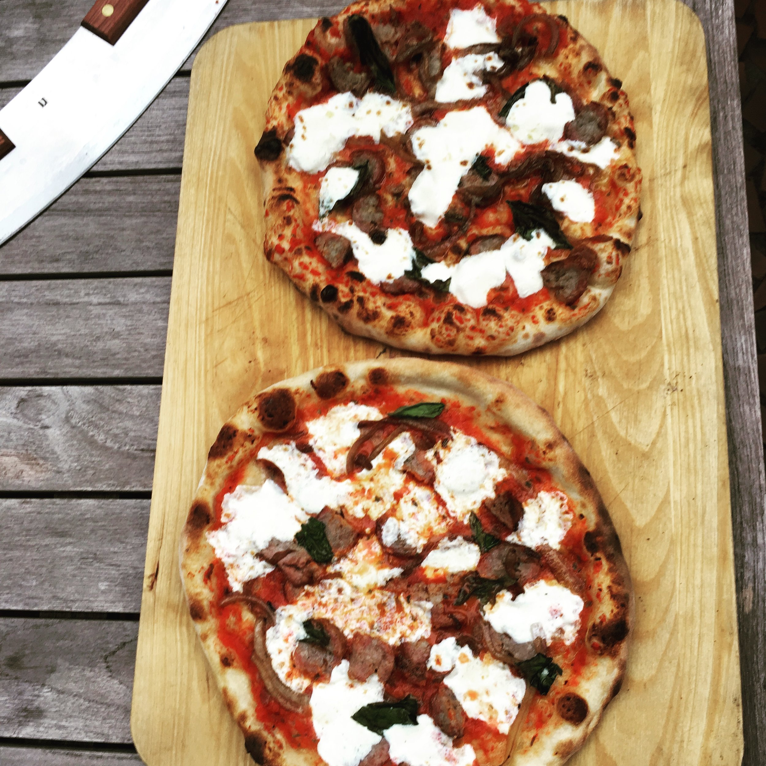 Pizza-Porta bottom pizza vs Wood Fired Oven top pizza