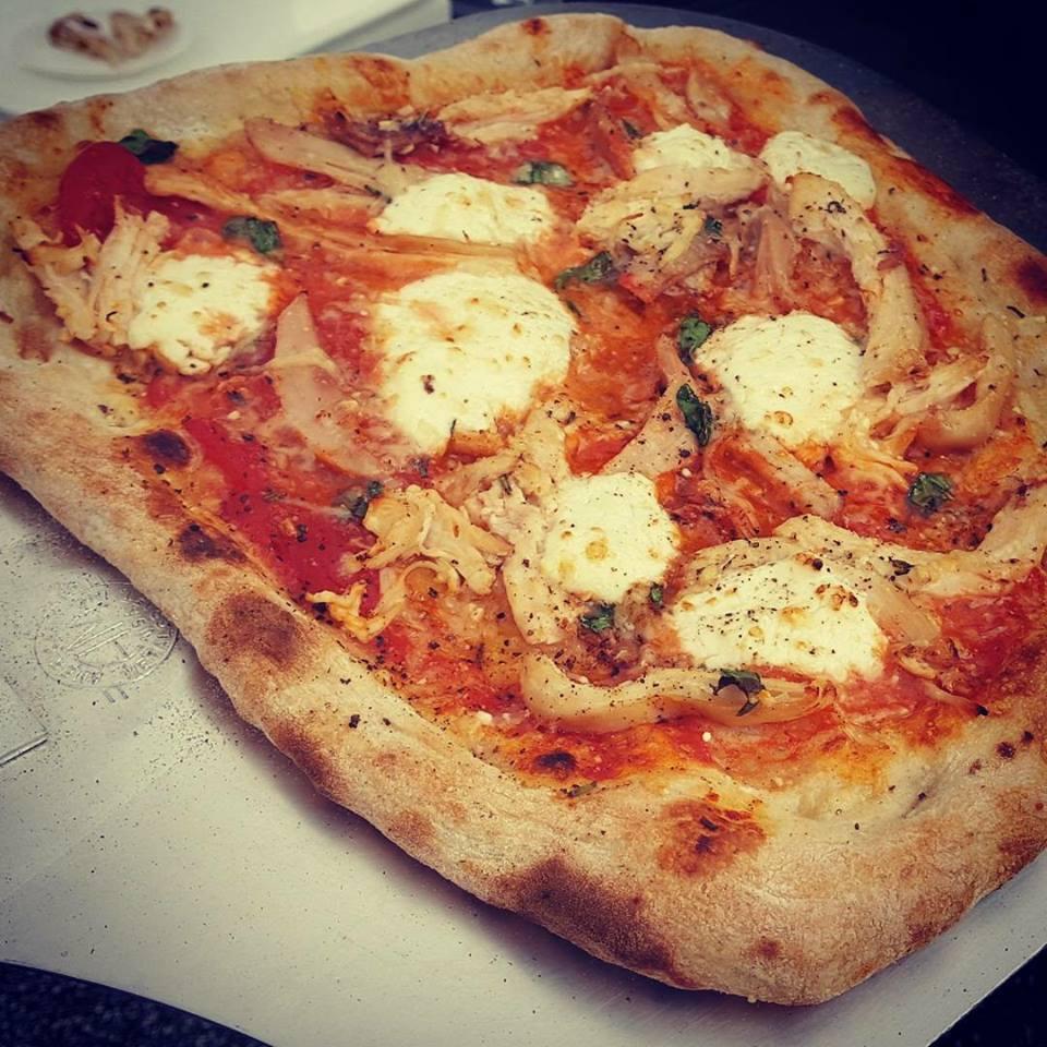 bbq chicken pizza .jpg