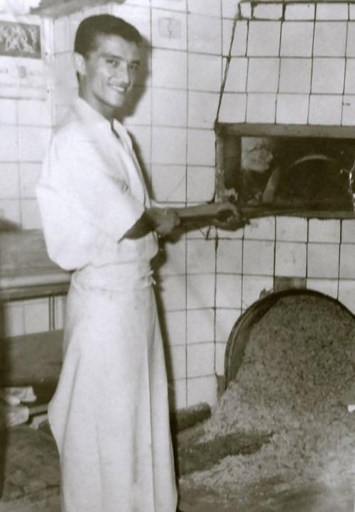 pizzaiolo-napoletano-foto-storica-e1378303552865