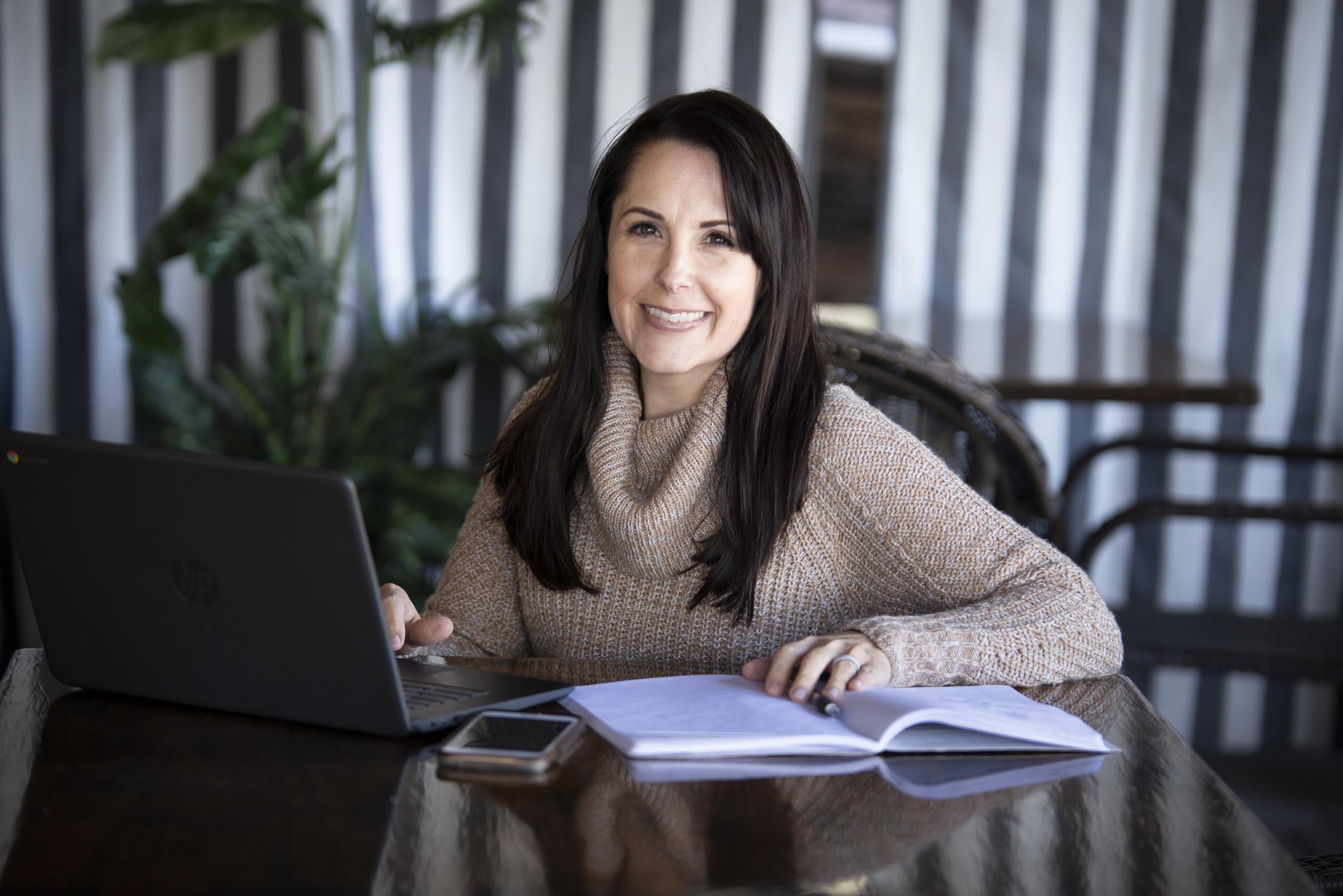 casey-jade-photo-business-branding-photography-lisa-chastain-money-coach