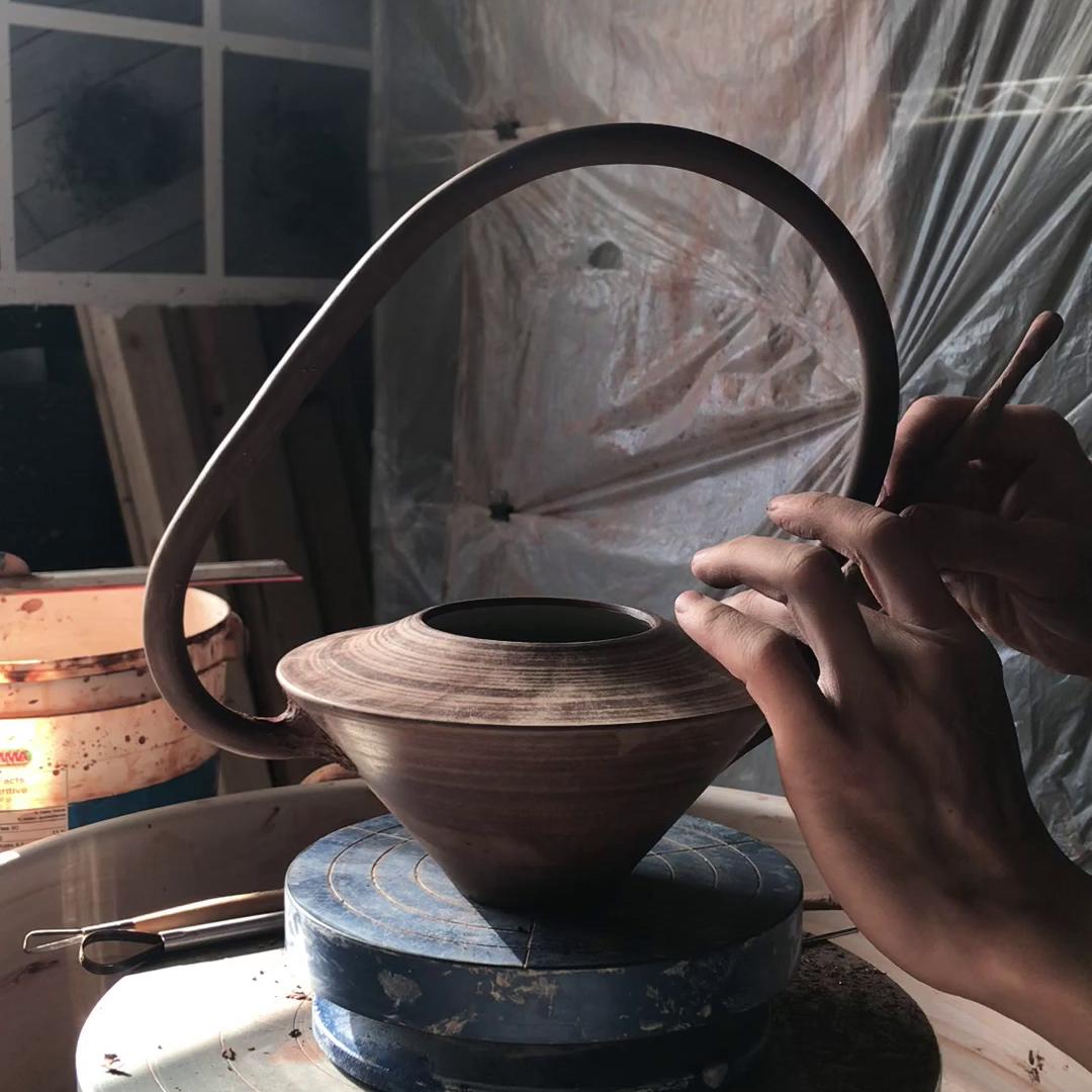 assemblage d'une théière, 2018
