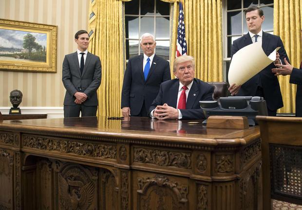 TrumpOvalOffice.jpg