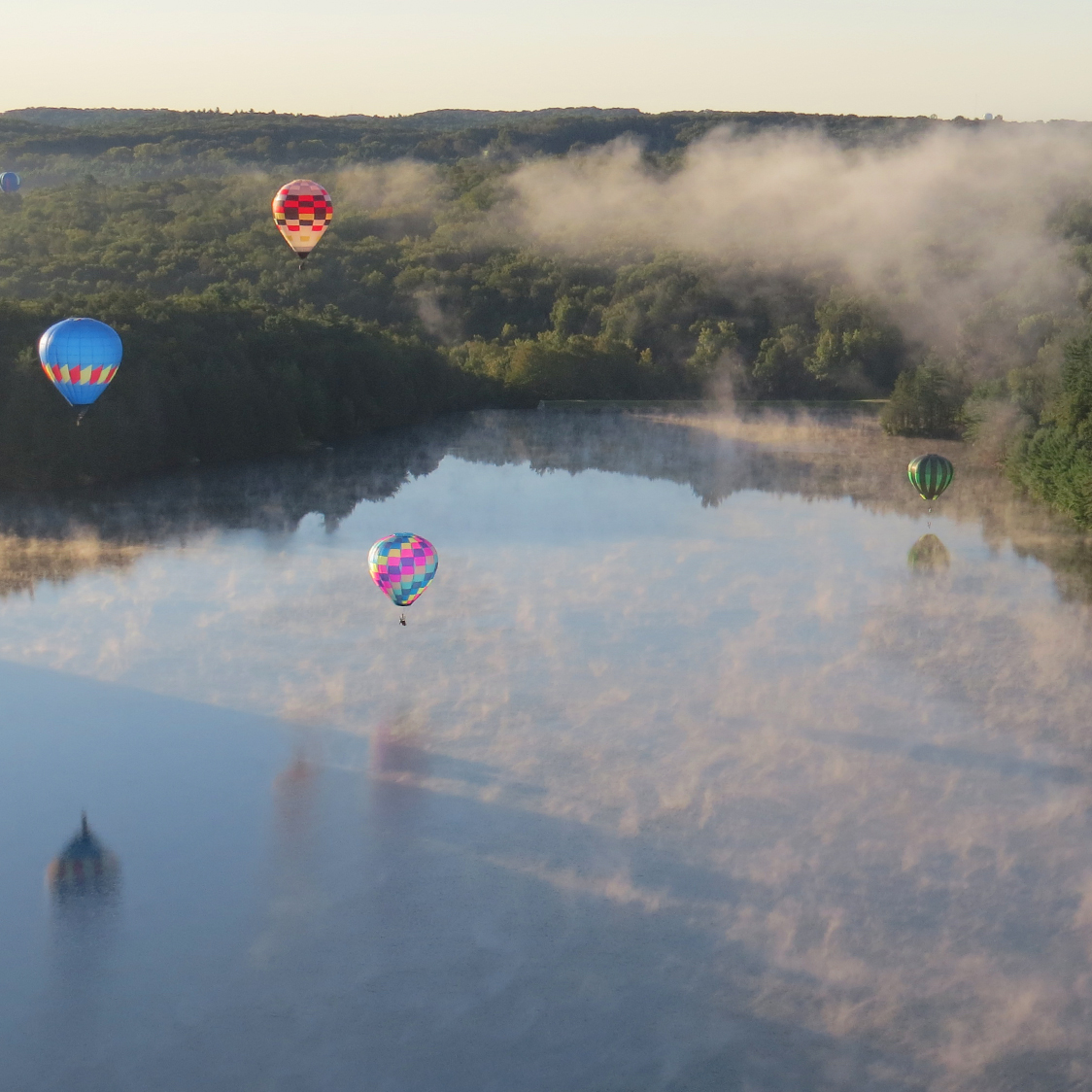 hot_air_balloon_misty_morning.jpg