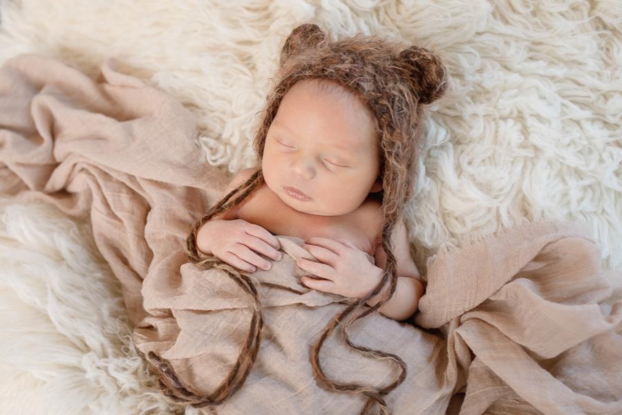 Newborn-32_blog_lg.jpg