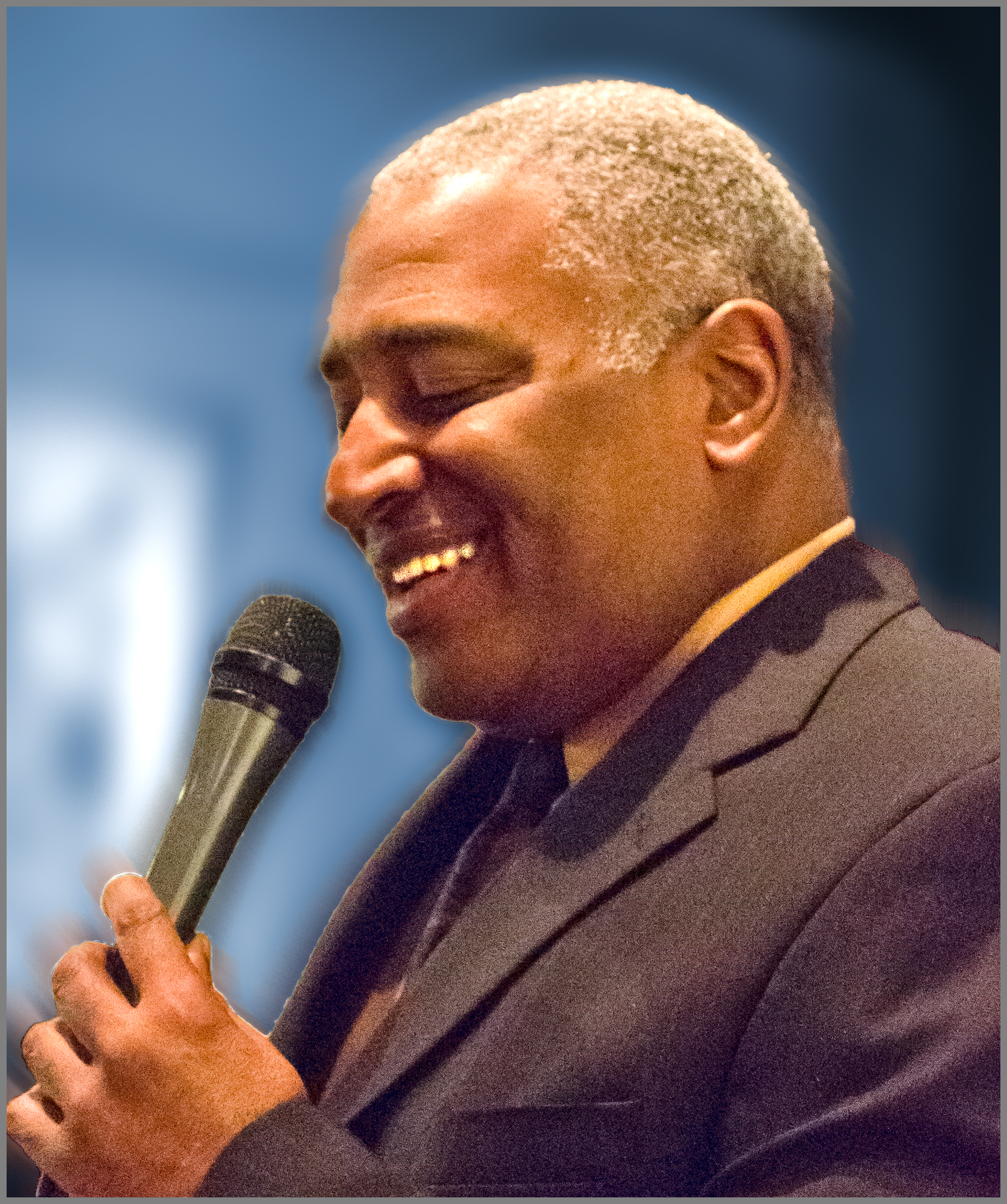ROBERT JOHNSON ,  Vocalist   Robert is currently touring with Met Opera soprano Angela Brown performing duo jazz/opera concerts of Porgy and Bess. He has toured extensively with Stevie Wonder, Michael Jackson, and Lionel Ritchie.