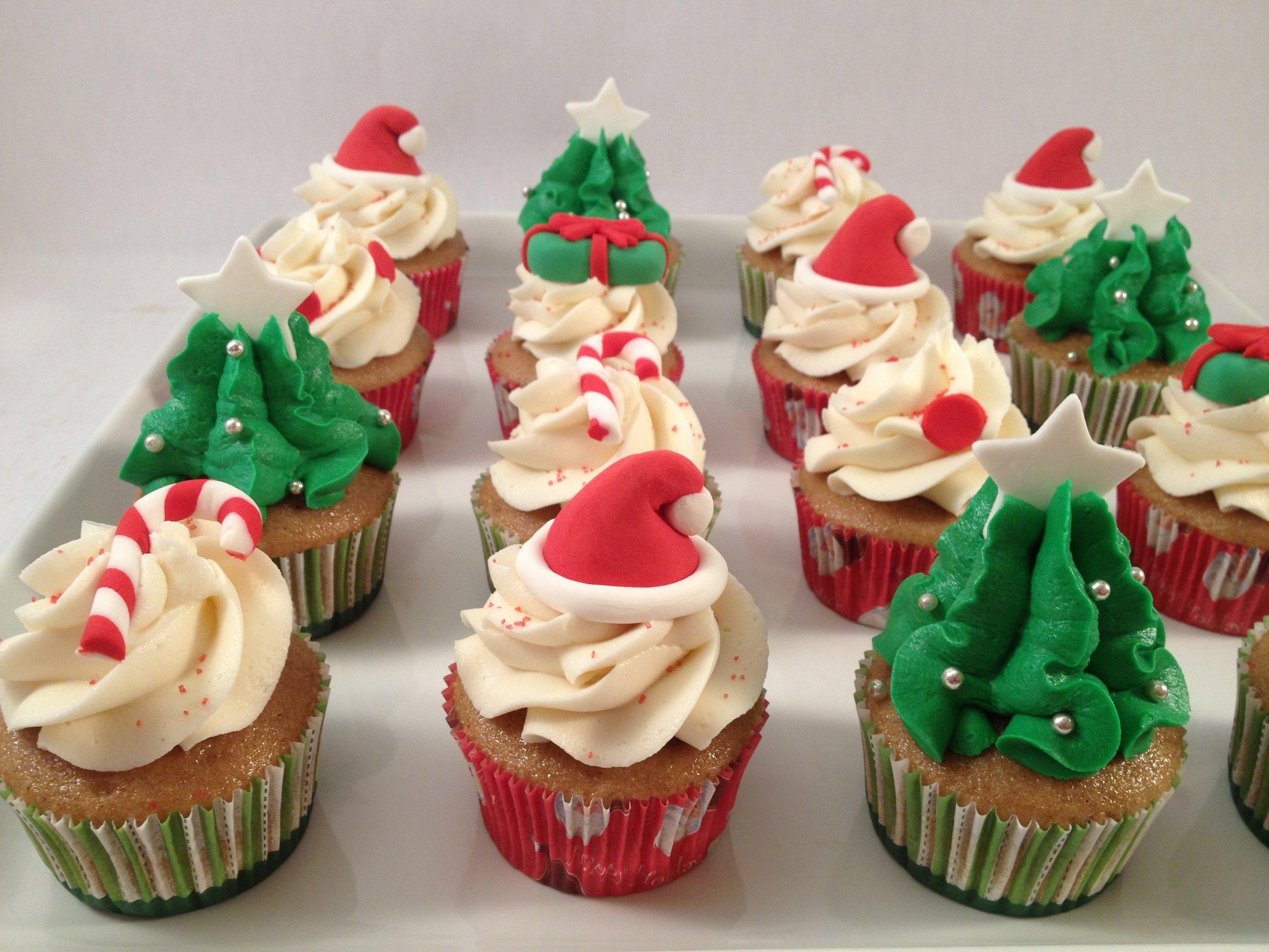 Cupcakes christmas.JPG