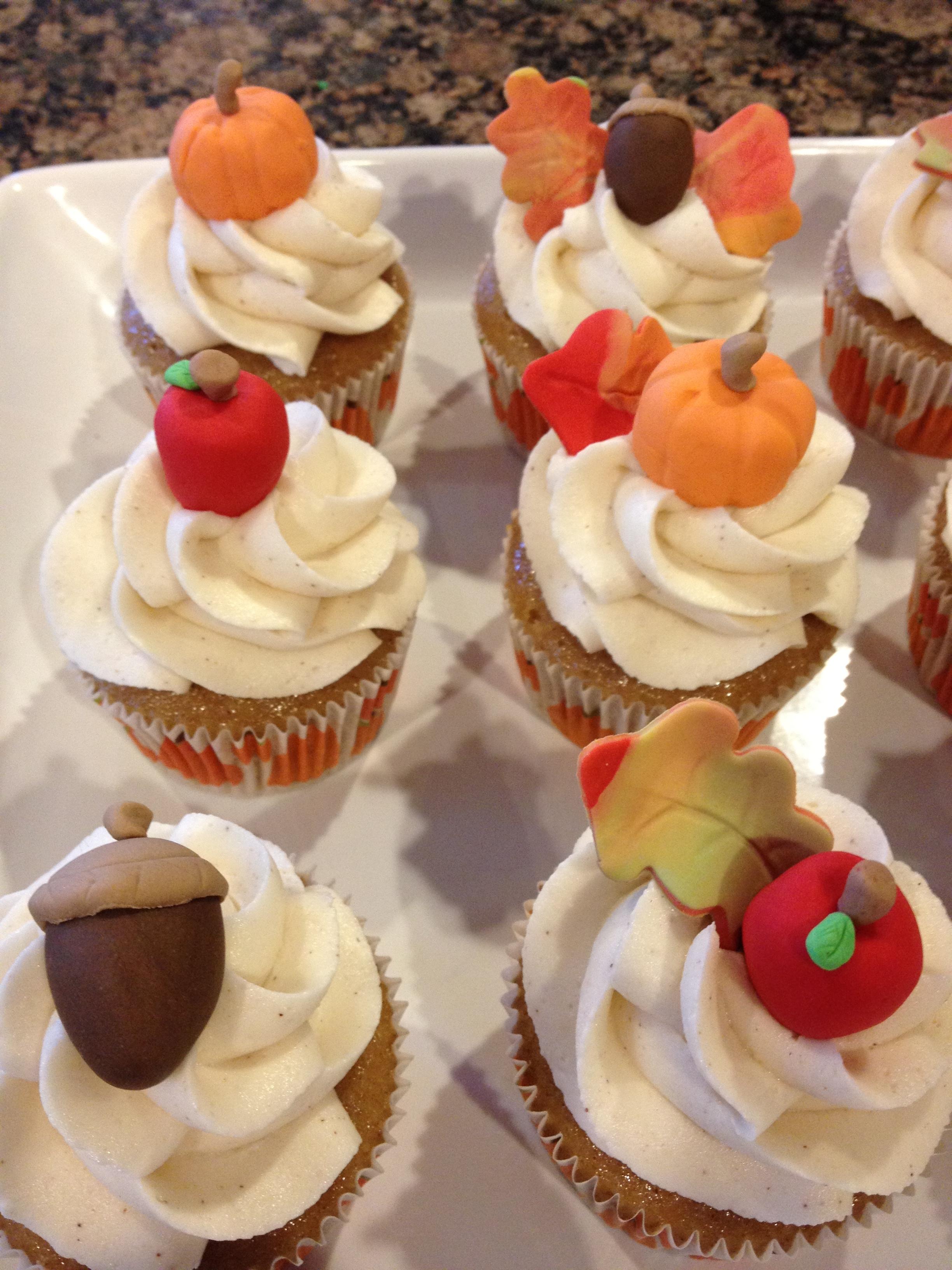 Cupcakes fall.JPG