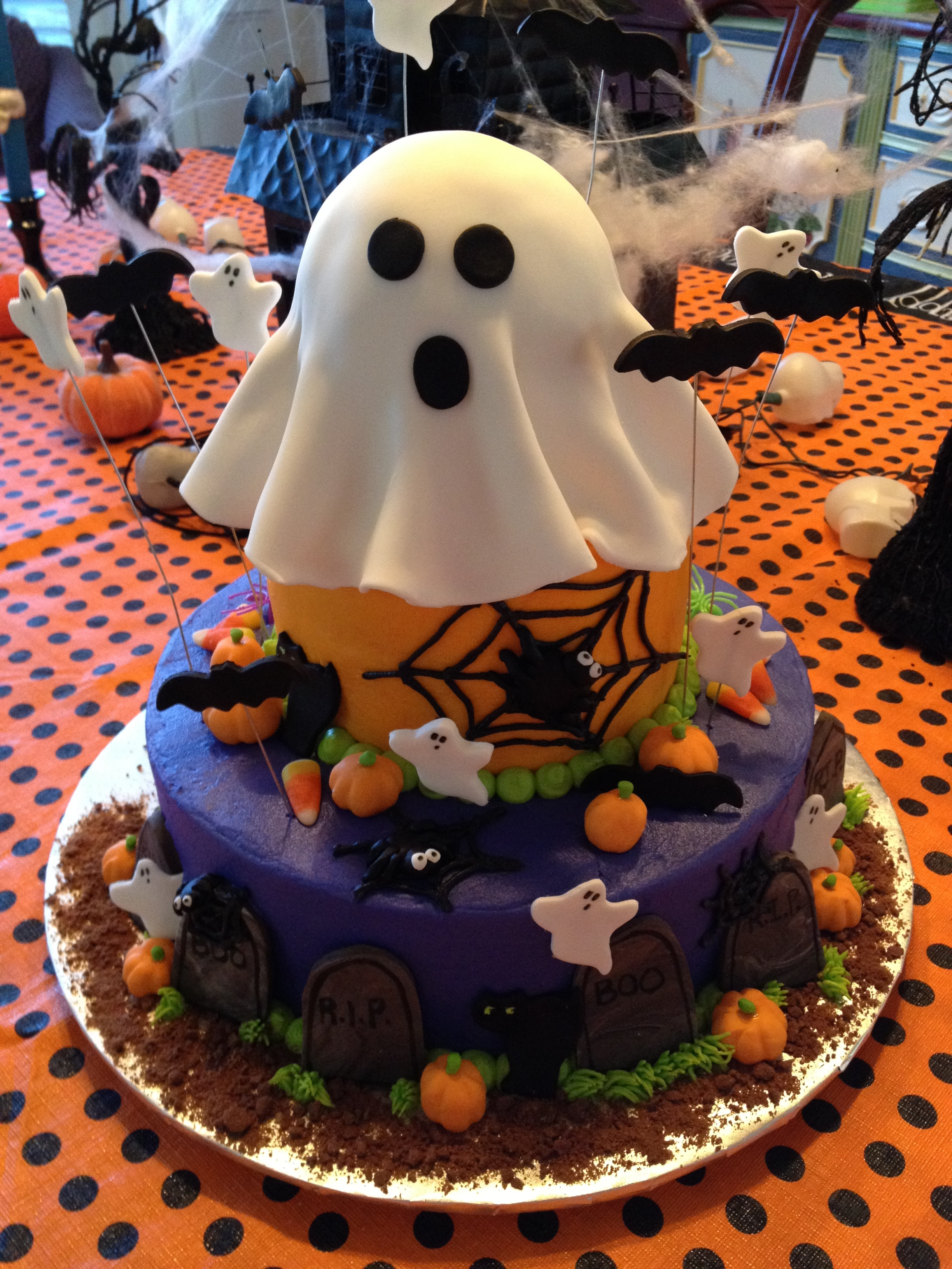 Cake halloween 2.JPG