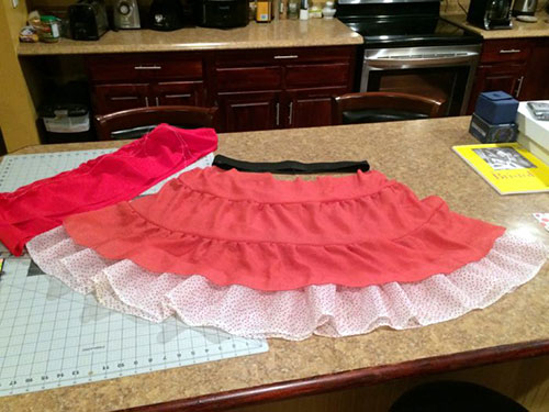 Add an Easy Exposed Elastic Waistband to a Skirt