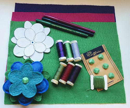 Free Sewing Pattern and Tutorial: Flower Pincushion