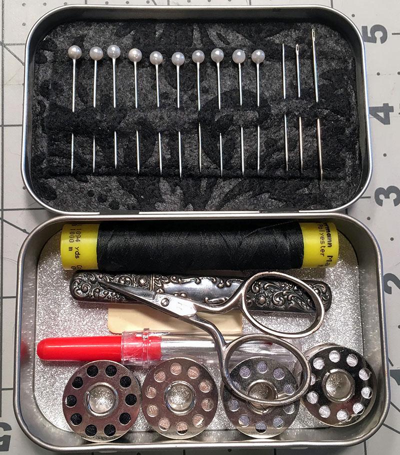 DIY Sewing Kits out of Altoids Tins