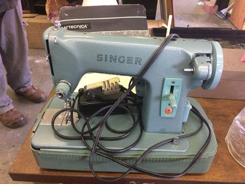 Singer 285 Sewing machine