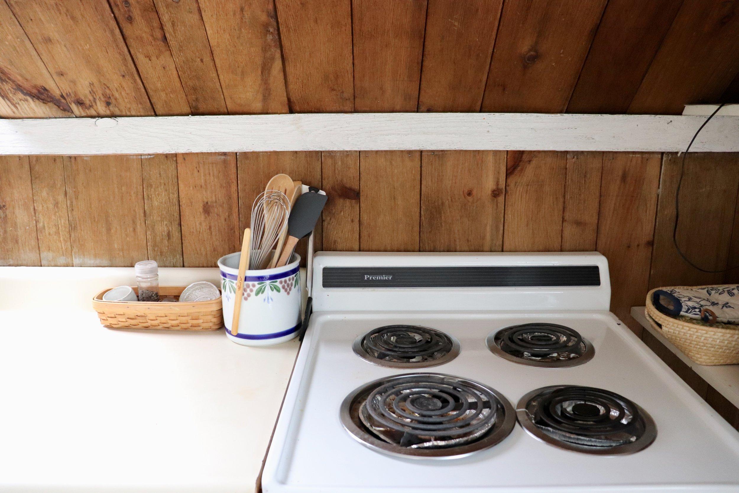 Kitchen 5 Stove.jpg
