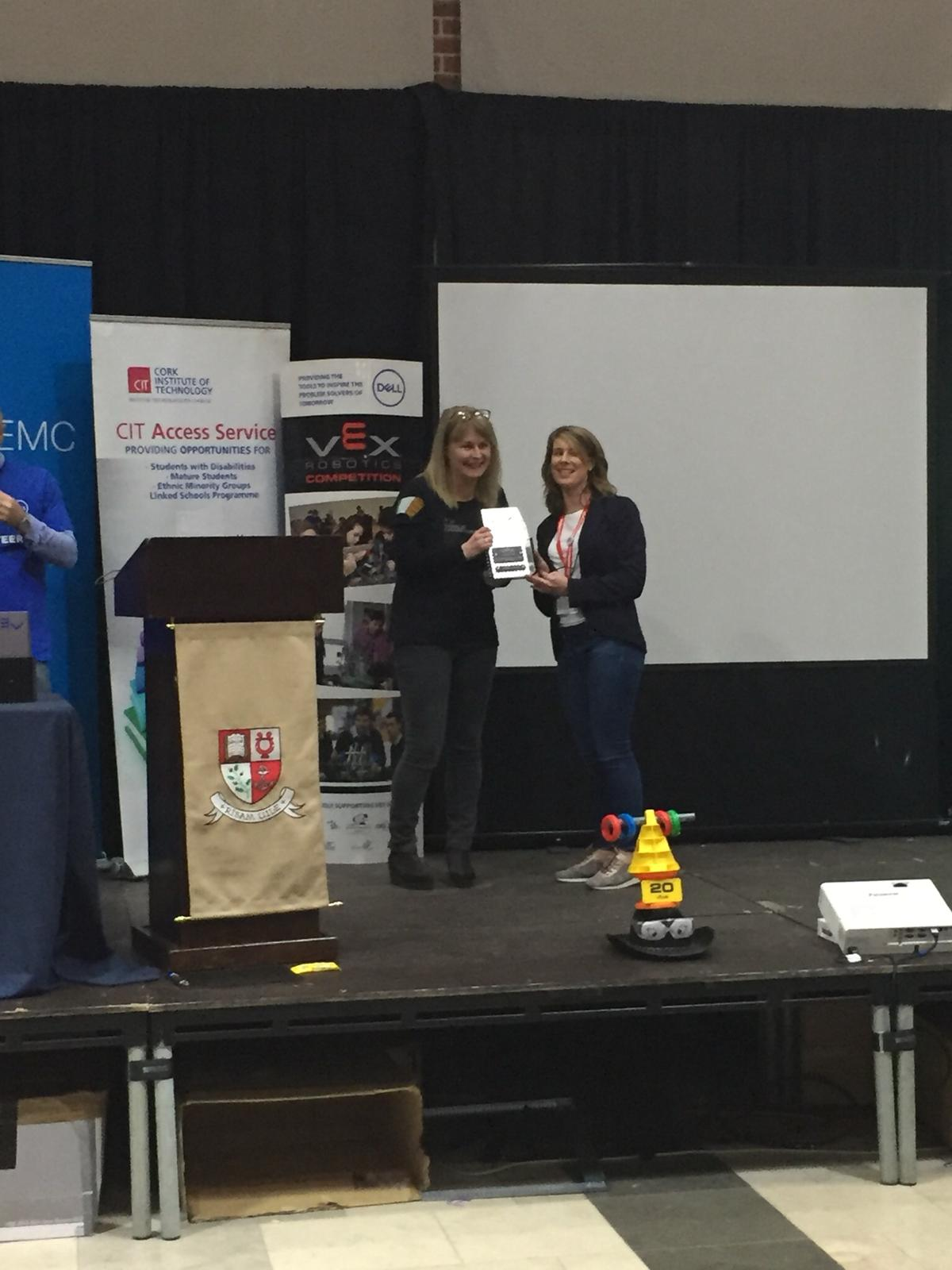 Niamh  Hay KCS being presented with the Volunteer Award by Sharon Lawton CIT.jpg