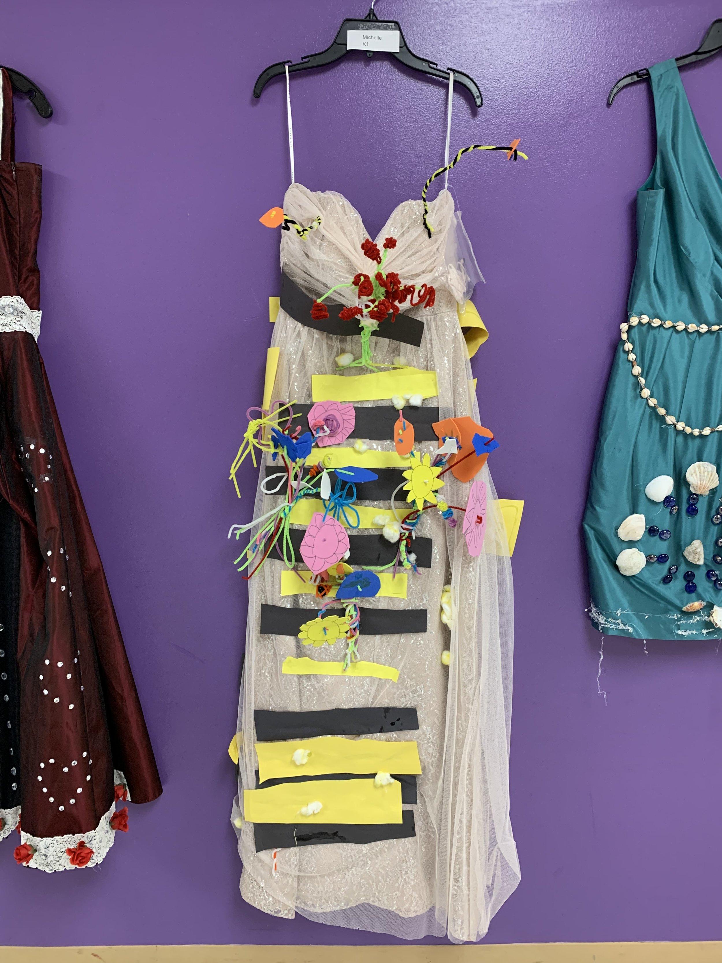 Columbus Ohio elementary school uses old sample dresses to study art