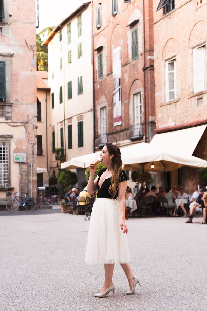 Discontinued Jenny Yoo tulle skirt in cream travels to Italy
