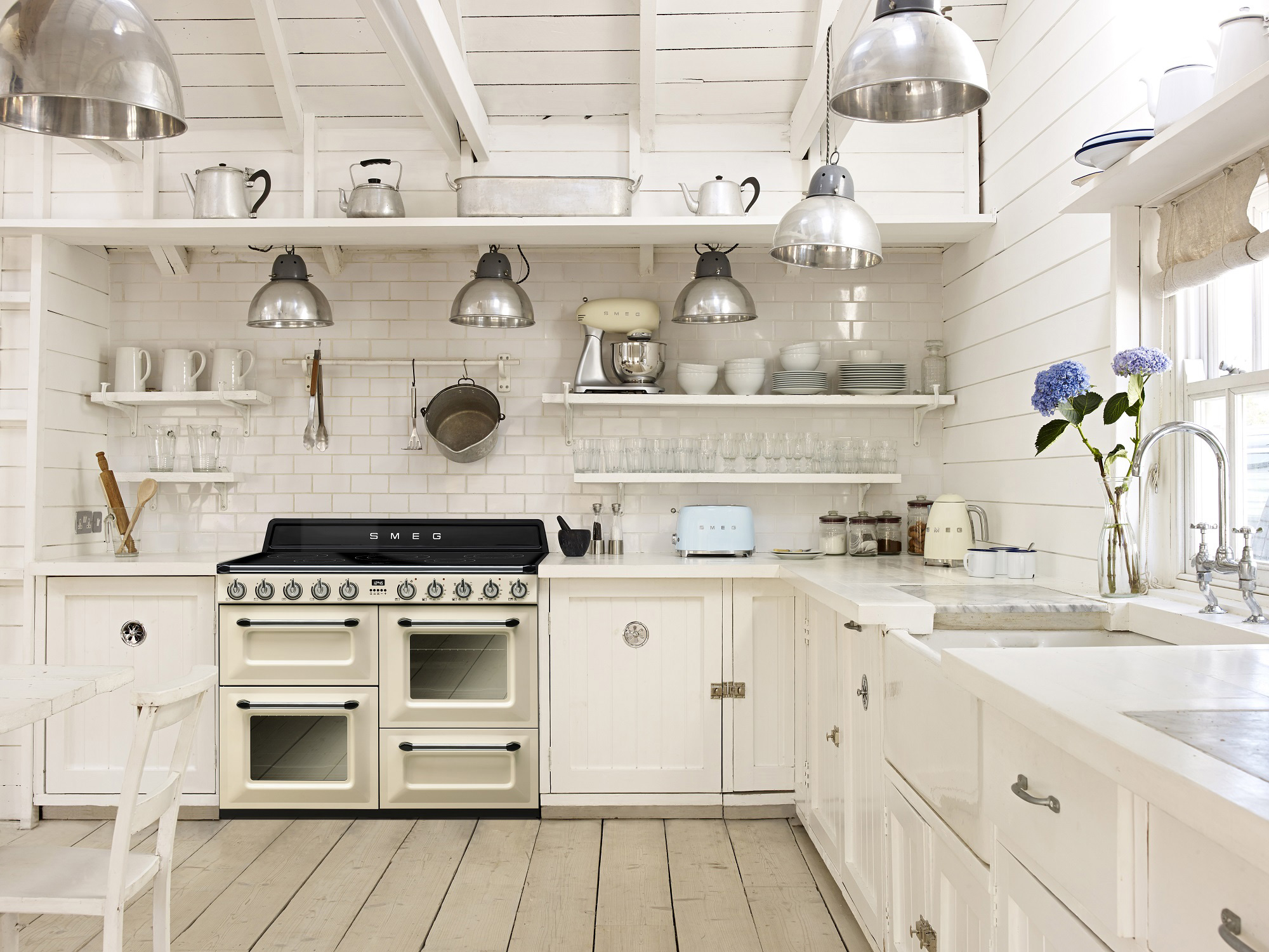 smeg_kitchen_appliances.jpg
