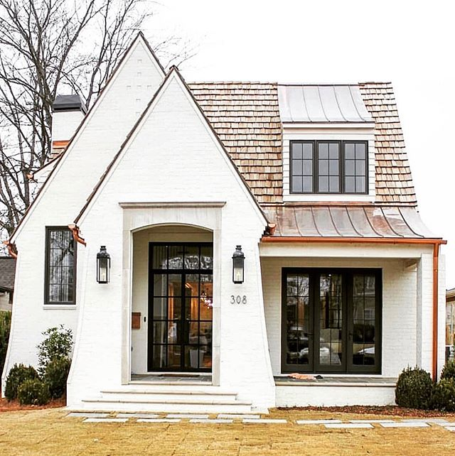 I'm leaning in to small houses that pack a lot of charm. 👊🔥 #leanin // design @twinconstruction