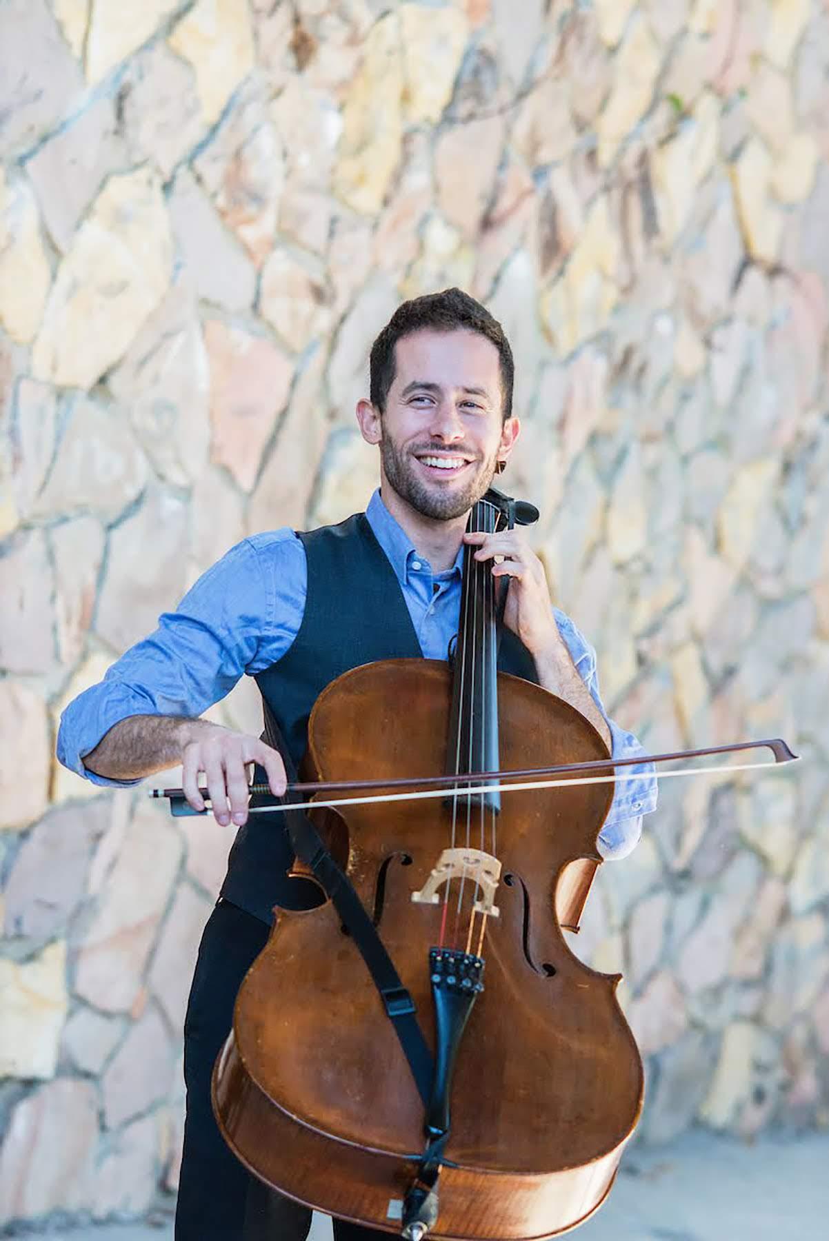 ANDRÉS VERA - Cello