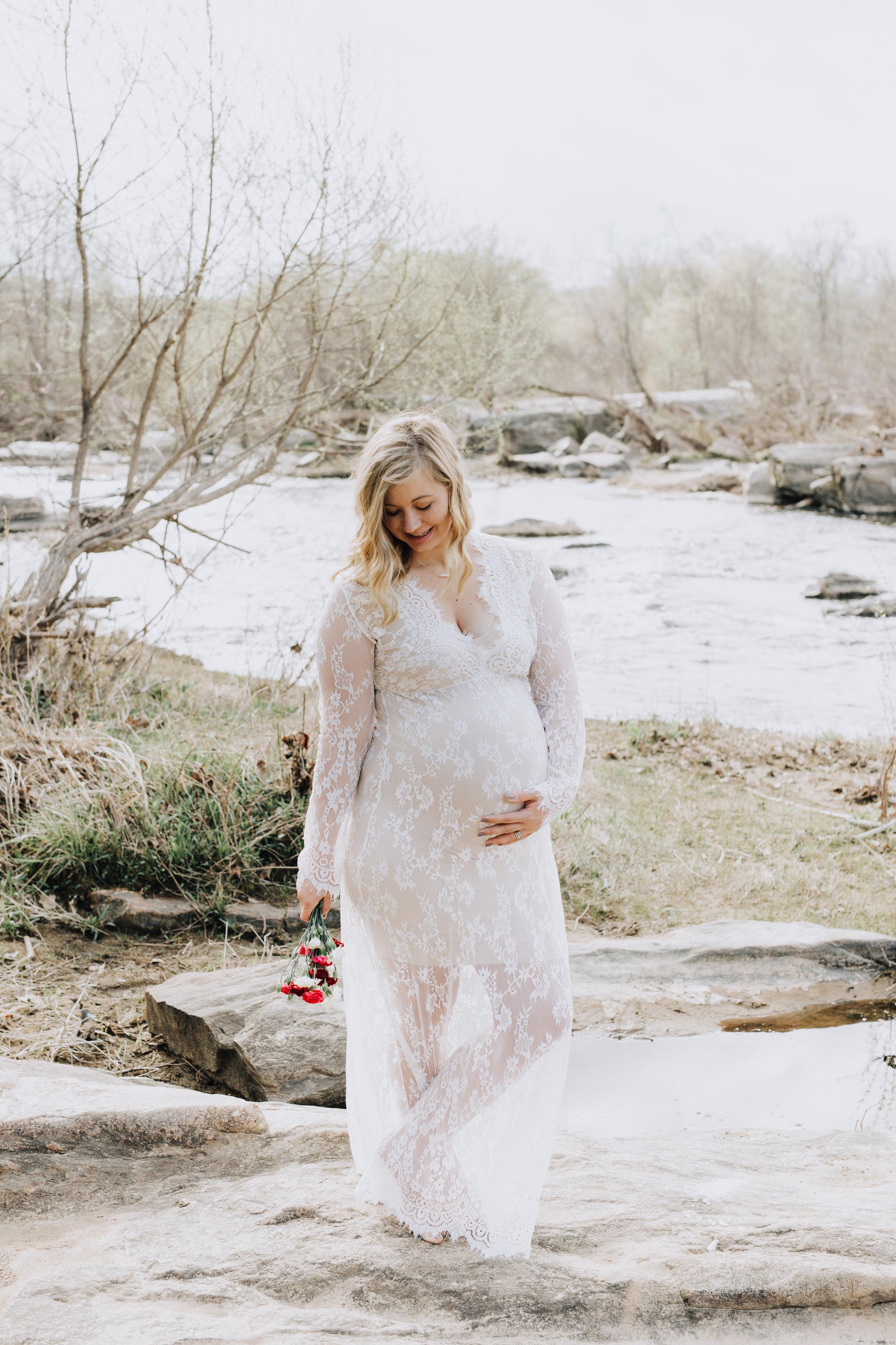 Fredericksburg_Virginia_Maternity_Photographer_Riverside (11).jpg