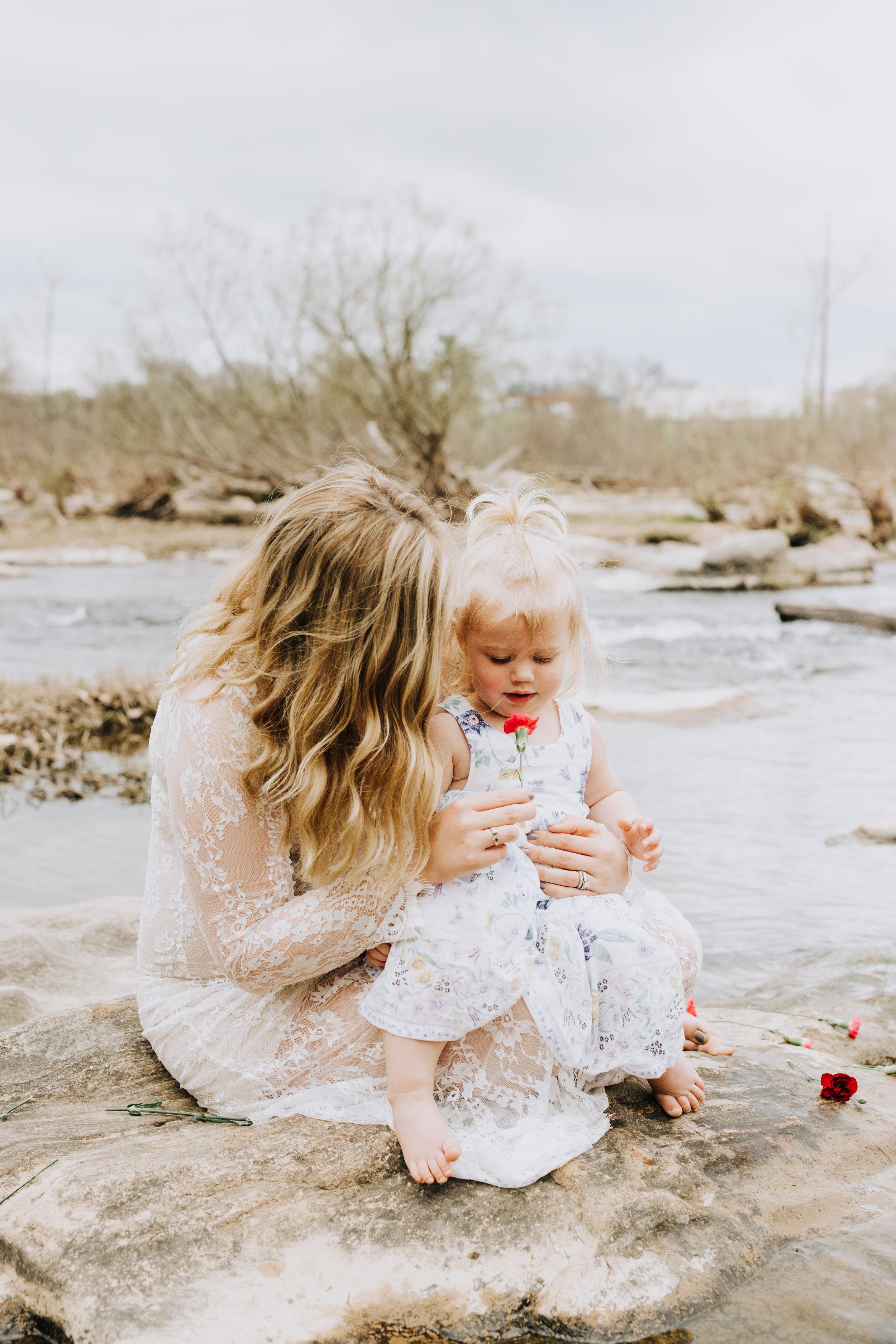 Fredericksburg_Virginia_Maternity_Photographer_Riverside (27).jpg
