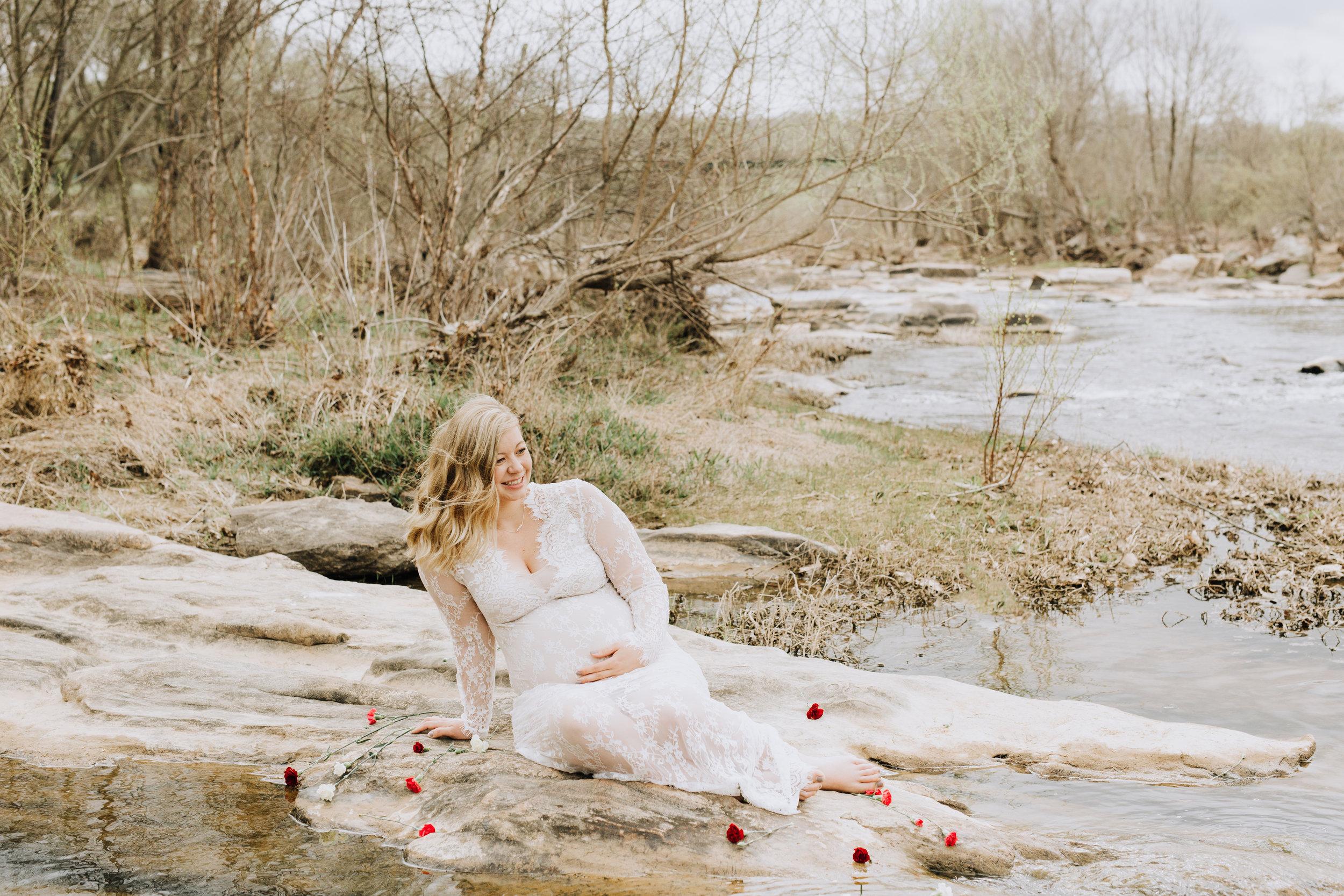 Fredericksburg_Virginia_Maternity_Photographer_Riverside (36).jpg