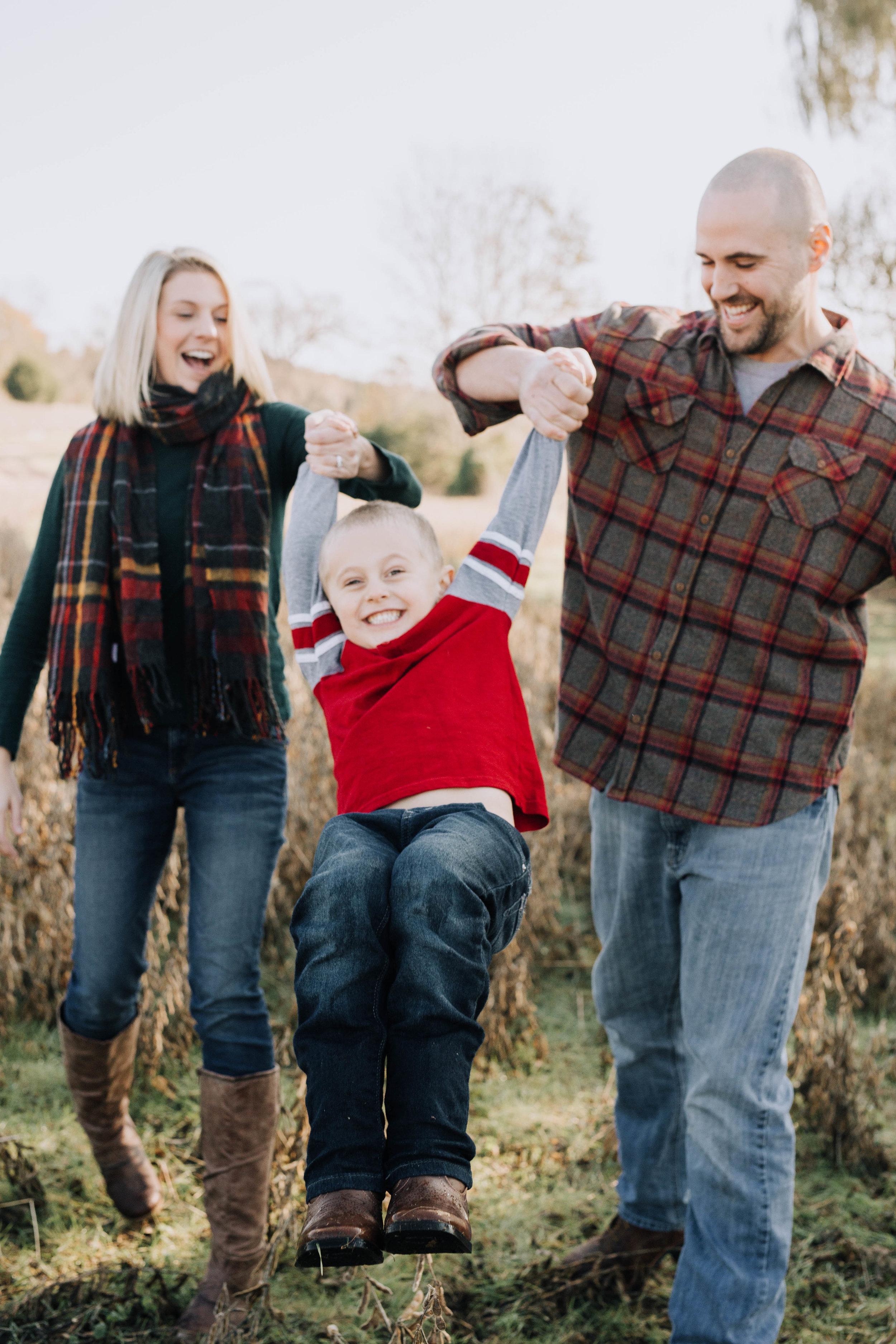 Lick_Run_Fredericksburg_Virginia_Jacqueline_Waters_Photography_Basham_Family_Portraits (33).jpg