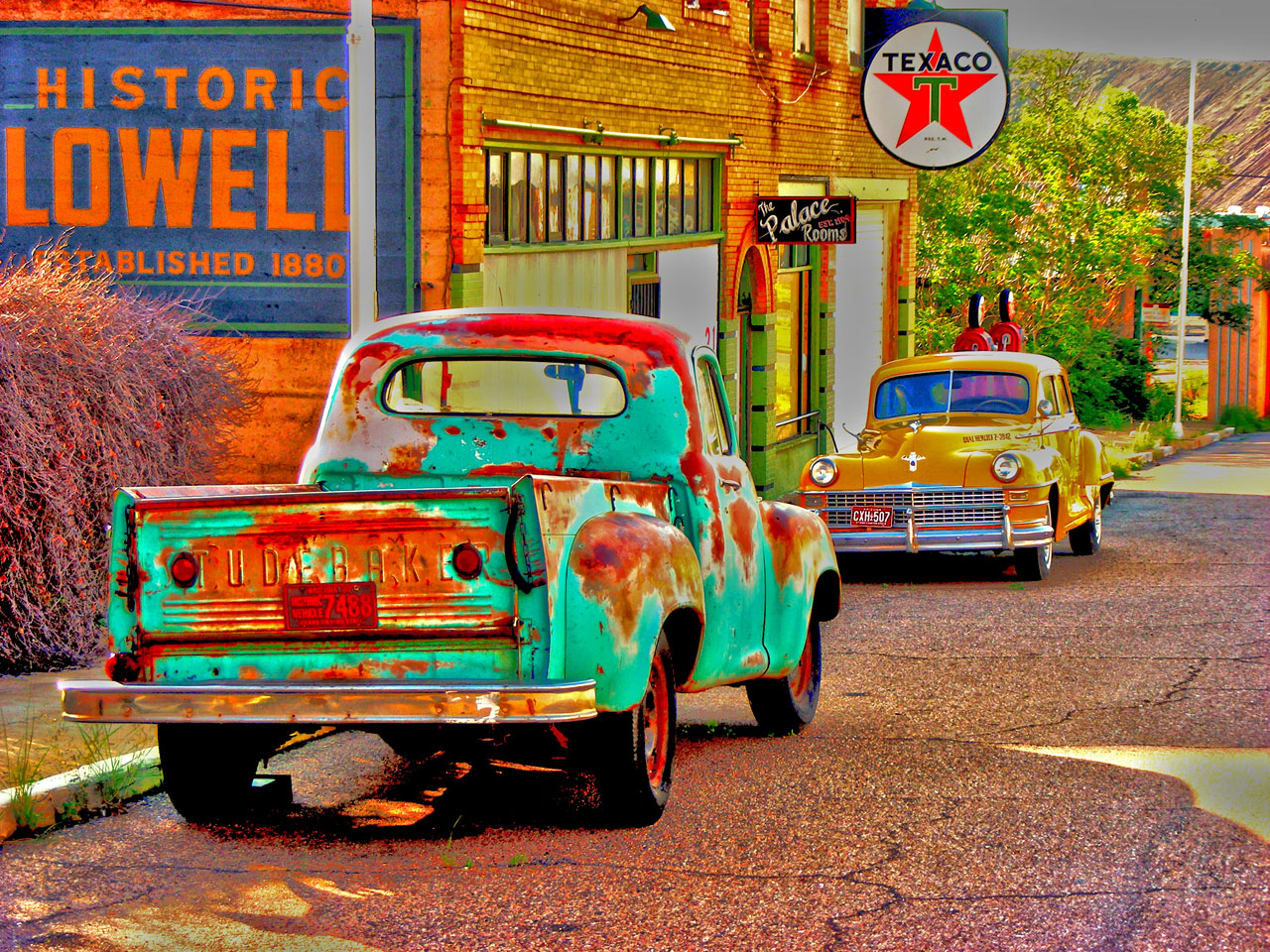 bisbee-car-and-truck.jpg