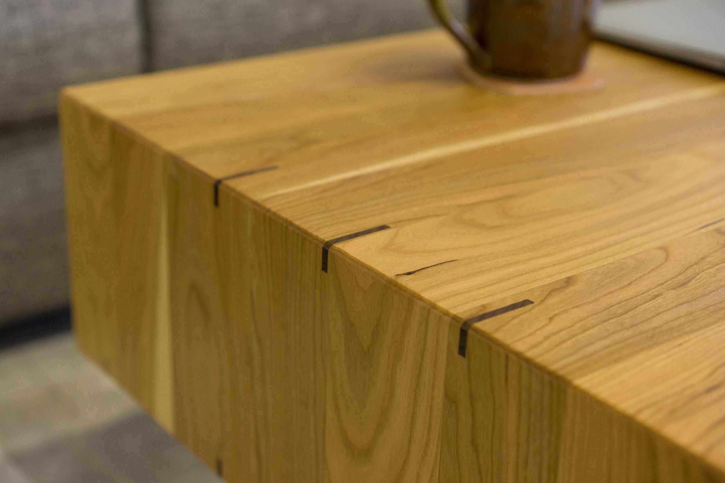 Coffee-Table-Detailst.jpg