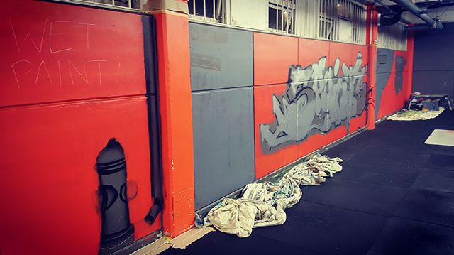 And we've started! The globally recognised mural artist, tutor and all round good guy Jonny4higher started his work in the gym today. Jonny visited the 5pointz building in Queens NYC before it was whitewashed over and then unceremoniously demolished. We're very lucky to have a local artist depict his take on the 5pointz mecca with such talent and authenticity. #jonny4higher #5pointznyc #streetart #newmarketauckland #graffitiart #nzstreetart #nzart #nzartist