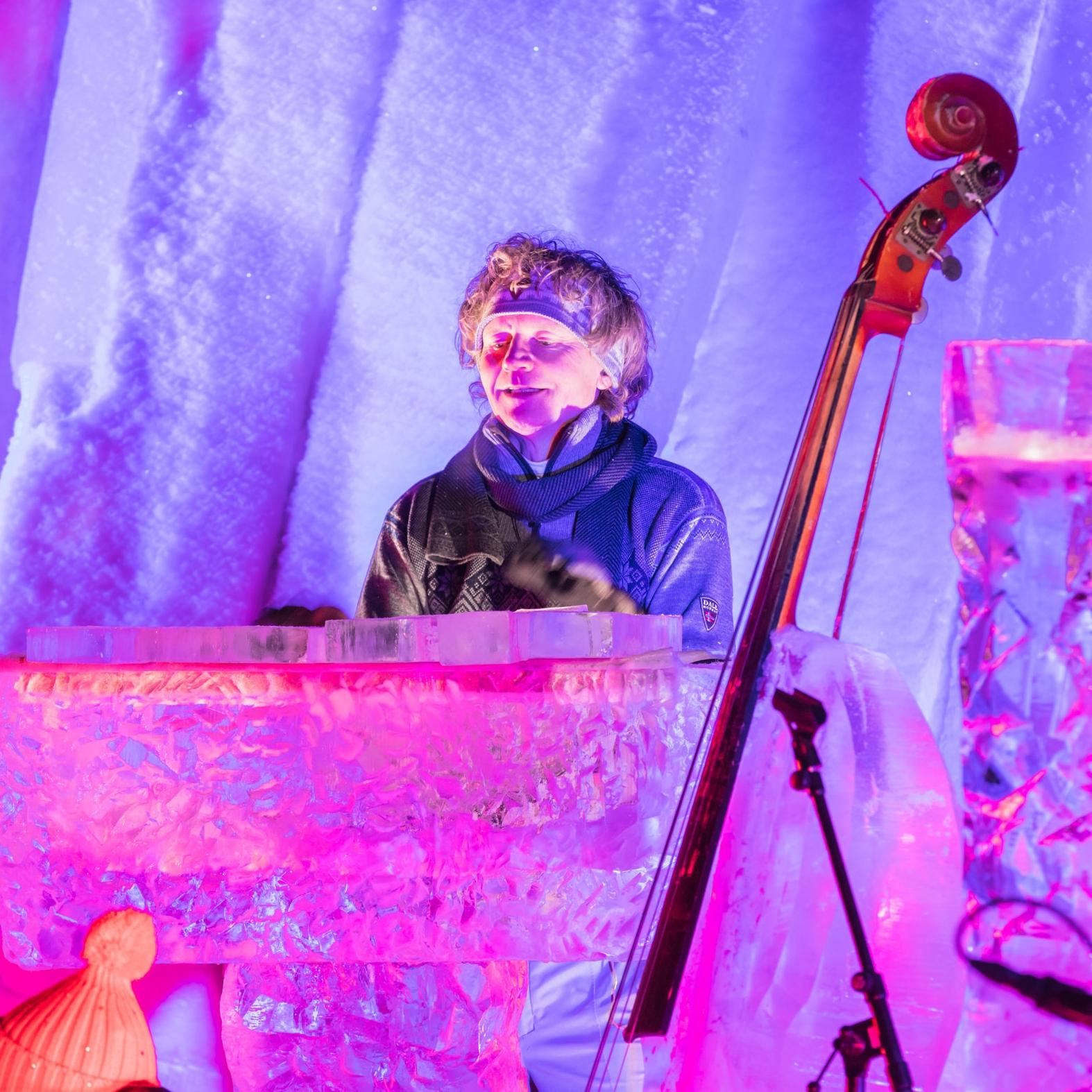Terje Isungset er initiativtakeren til Icemusicfestival. Han er den i verden som har funnet ut av lydene som isen skjuler, og lager fantastiske kompisisjoner.