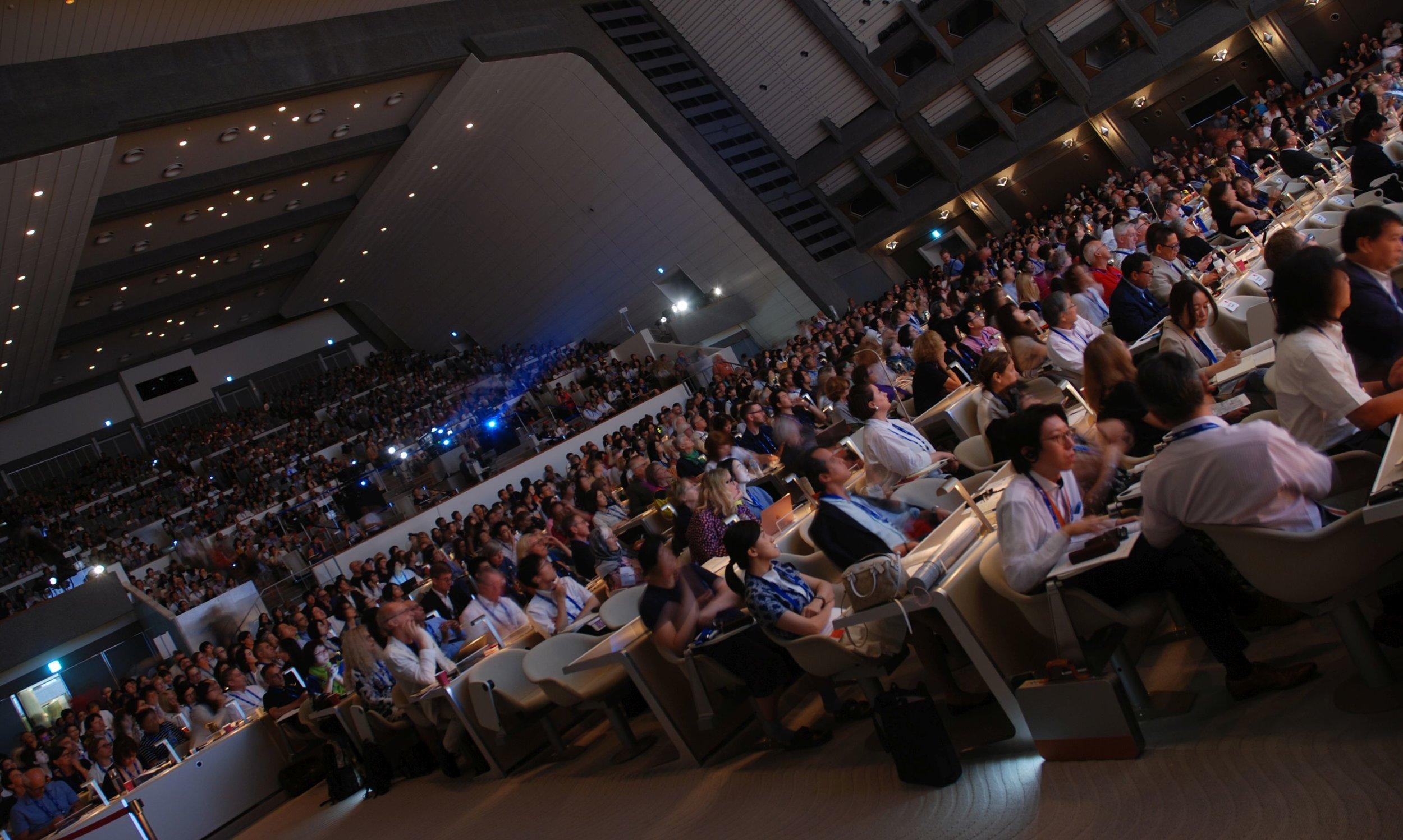 Paneelikeskustelut uuden museomääritelmän synnystä pidettiin konferenssikeskuksen suuressa salissa vaikuttavalle yleisömäärälle tiistaina 3. syyskuuta.