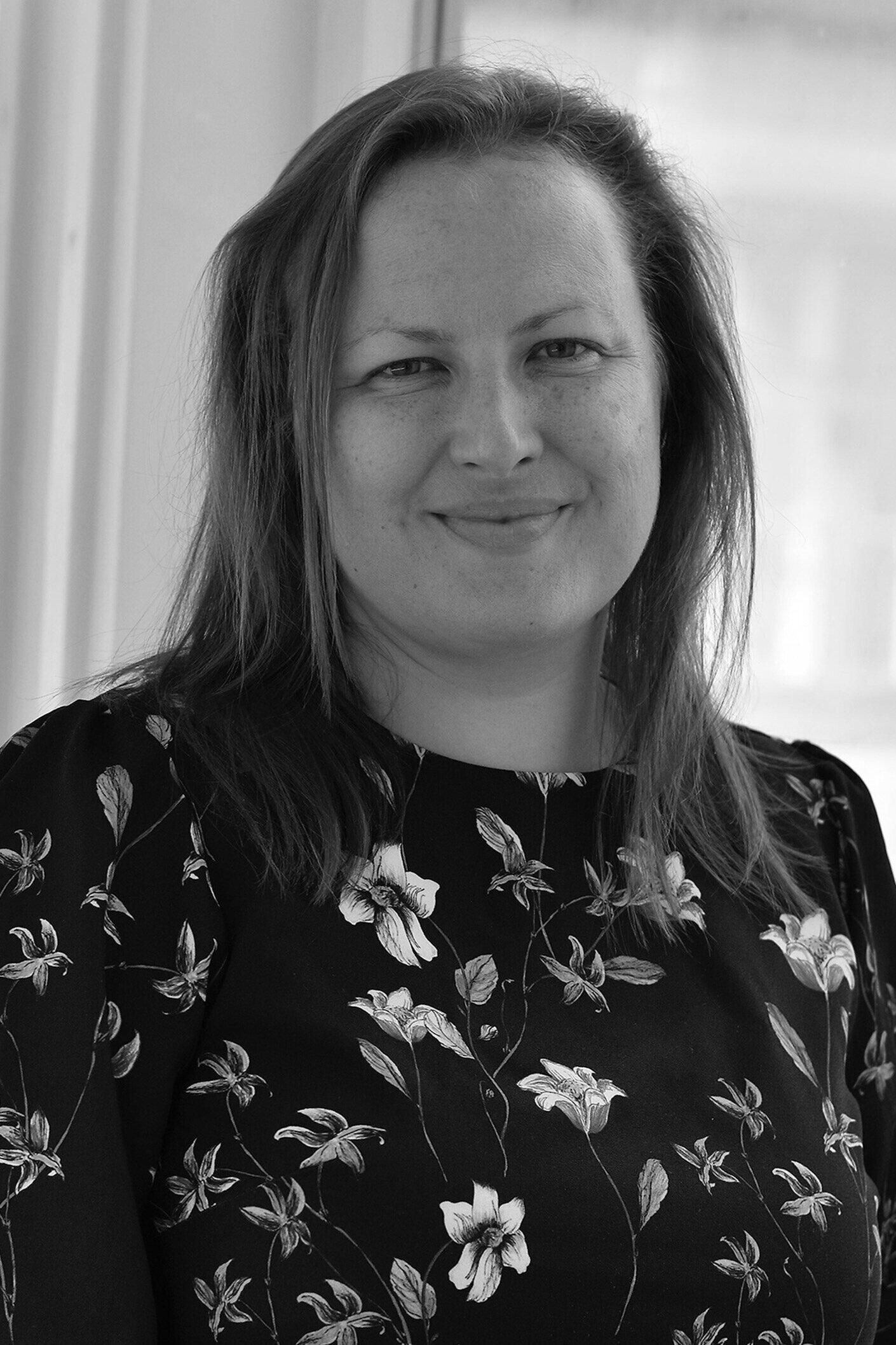 Christine langinauer - Hoitaa tiedotusta ja verkkoviestintää yhdessä Anni Guttormin kanssacommunications@icomfinland.fi