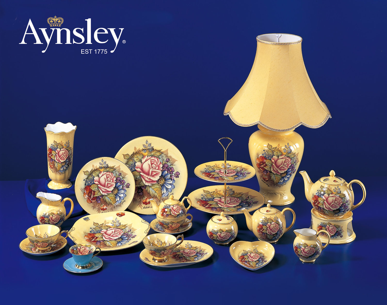 2003 英国皇家御用瓷器品牌 Aynsley 黄腾辉设计 Victoria Collection 全套60件 瓷器