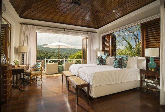 round-hill-hotel-villas.jpg