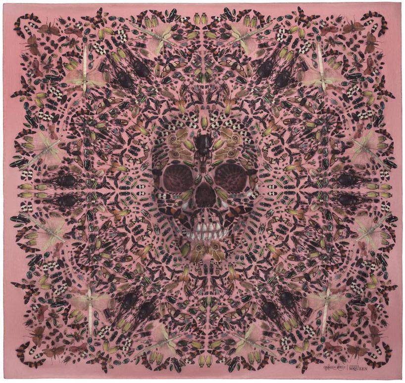 damien-hirst-+-alexander-mcqueen-unveil-skull-scarf-series-designboom-13.jpg