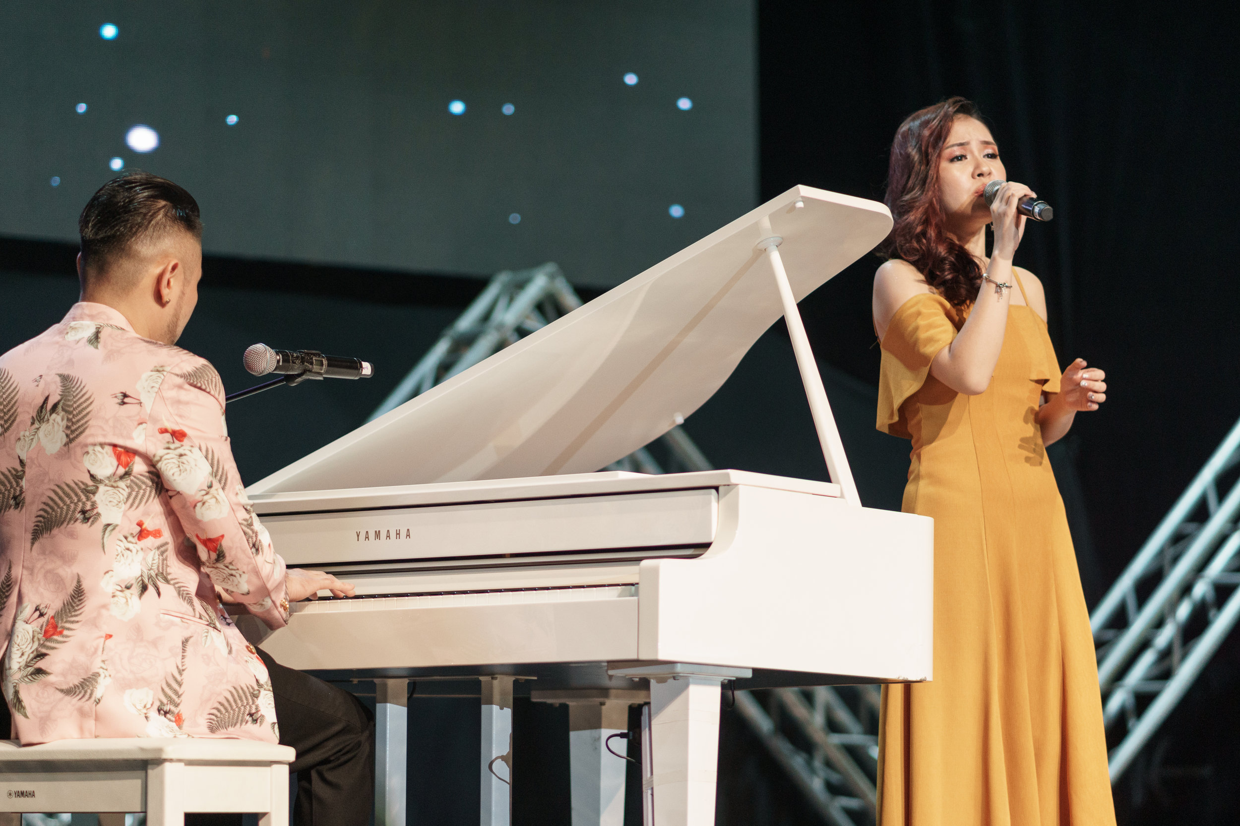 Lee Elaine Performing a cover by Lady Gaga with Dennis Lau.