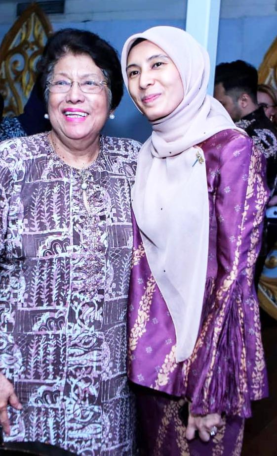 (L-R) YBDato′ Leela Mohd Ali  CEO, Yayasan Budi Penyayang Malaysia    YB Nurul Izzah    (Member of parliament Permatang Pauh)