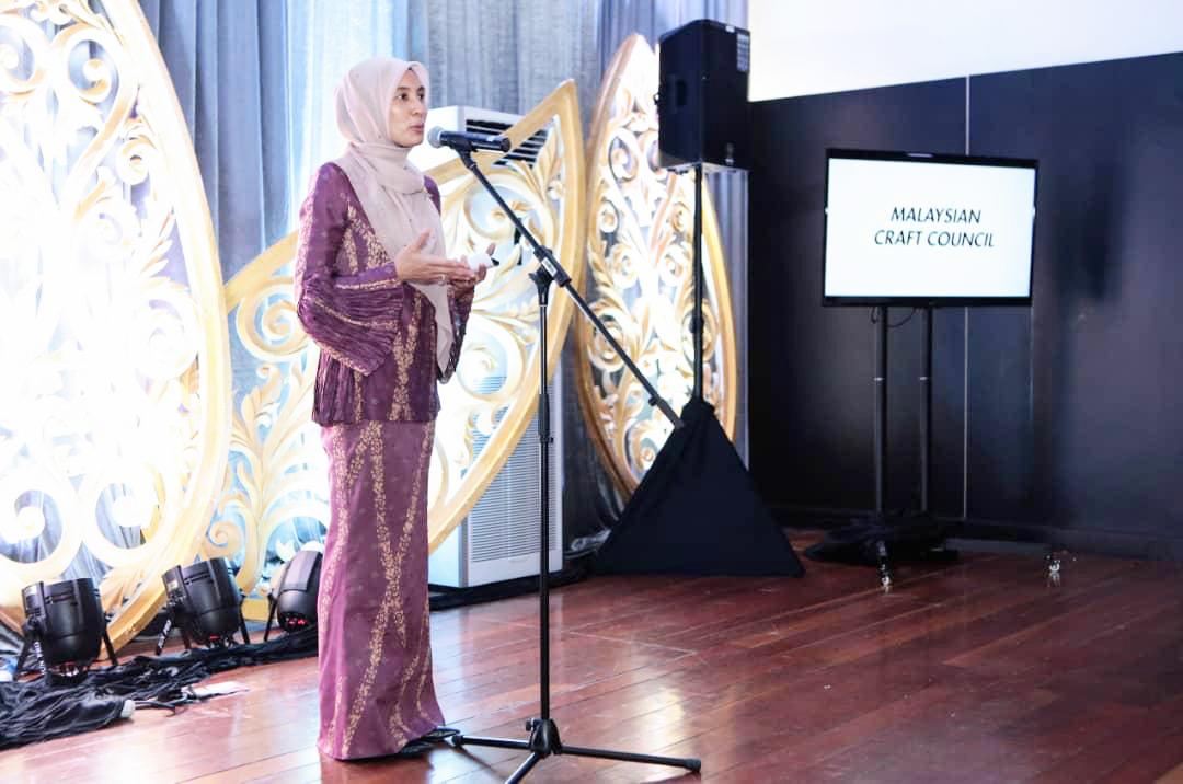 YB Nurul Izzah    (Member of parliament Permatang Pauh)