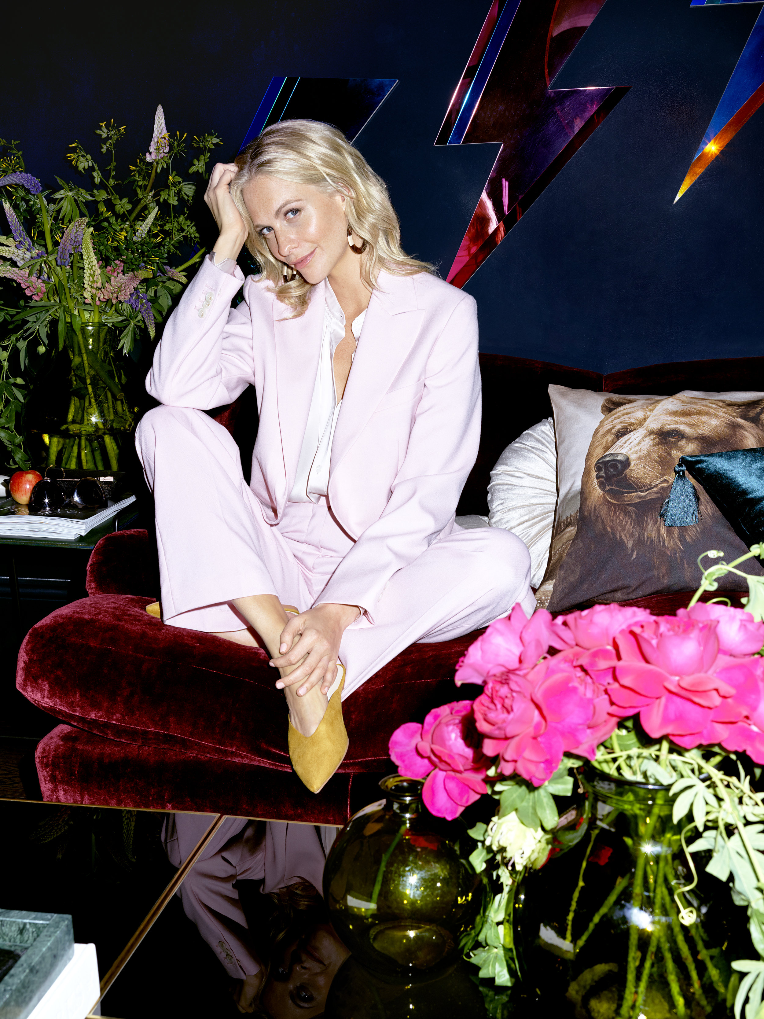 H_M HOME_At home with Poppy Delevingne_Living Room.jpg