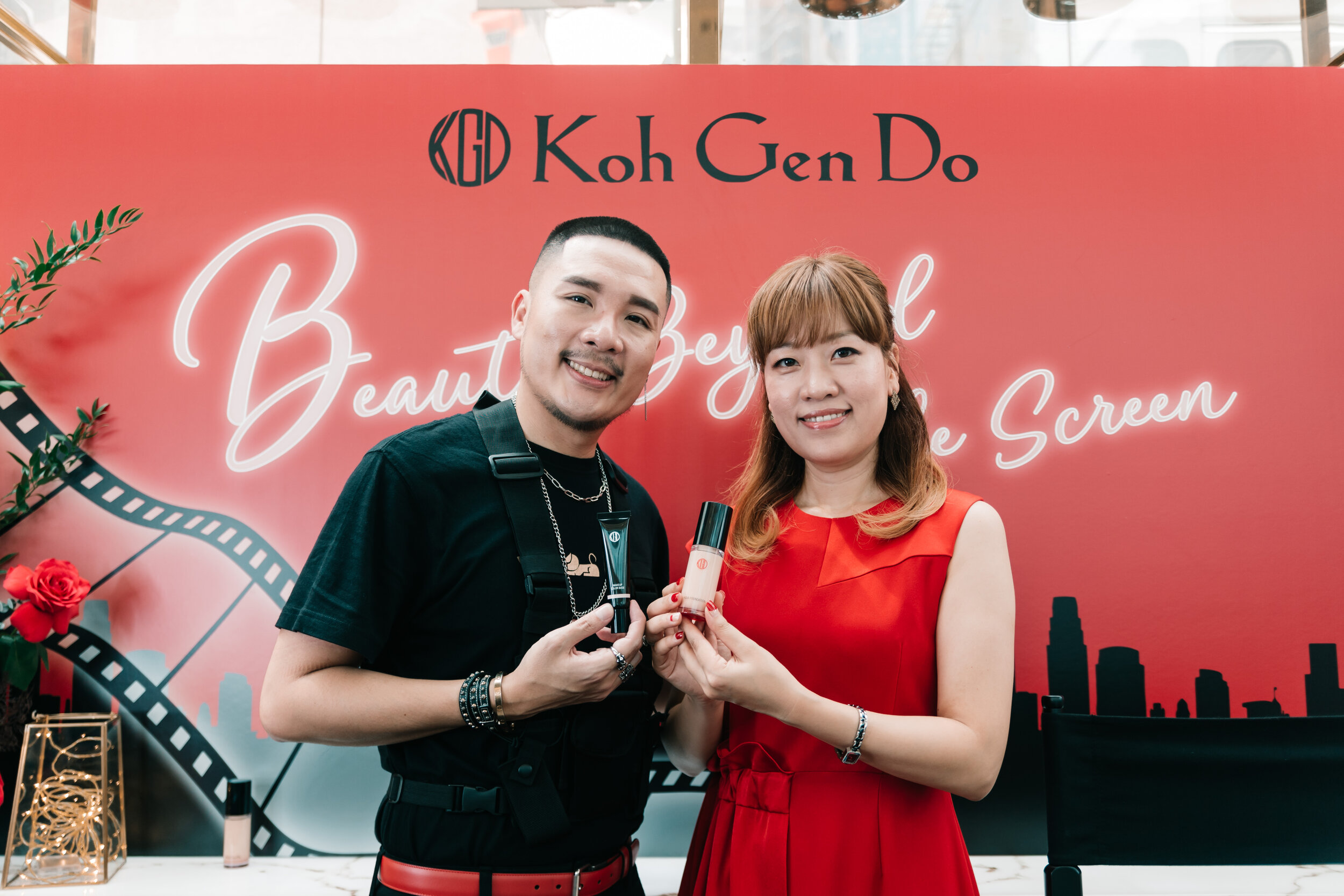 Gary Cheok, Celebrity Makeup Artist and Ms Yunje Jang, General Manager of Overseas Business Department, Koh Gen Do showcase two of Koh Gen Do's best sellers – the Aqua Foundation and the Makeup Colour Base.